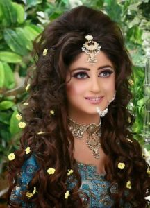 Biography of Sajal Ali - Top actress and Pakistani model