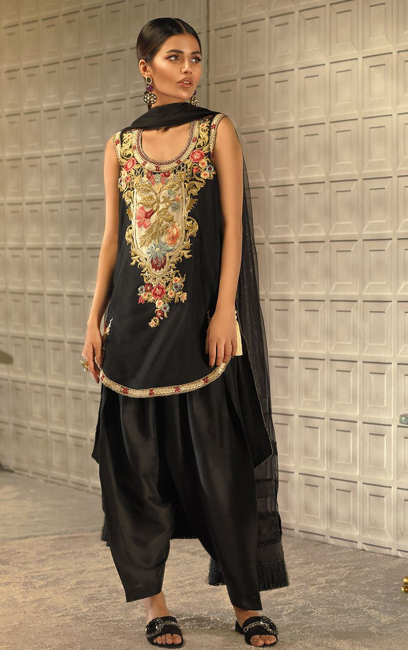 Luxury Pret Collection 2018 By Tena Durrani