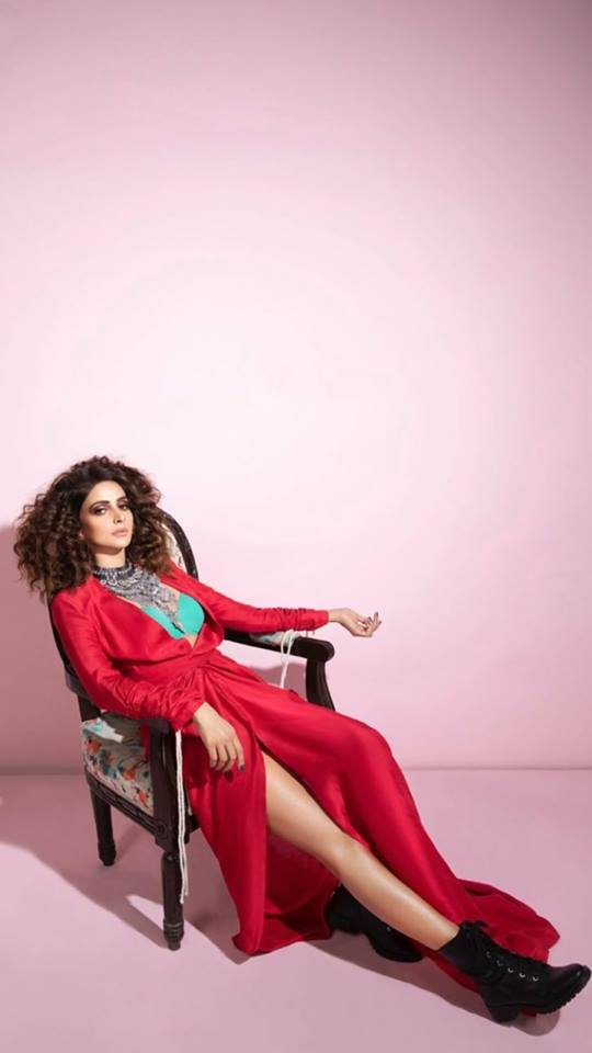 Exclusive Bold Photoshoot of Saba Qamar for a Magazine