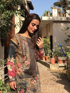 Iqra Aziz Face Of Alkaram For 2018 (1)