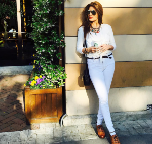 Mehwish Hayat hanging out with her starbucks in Istanbul
