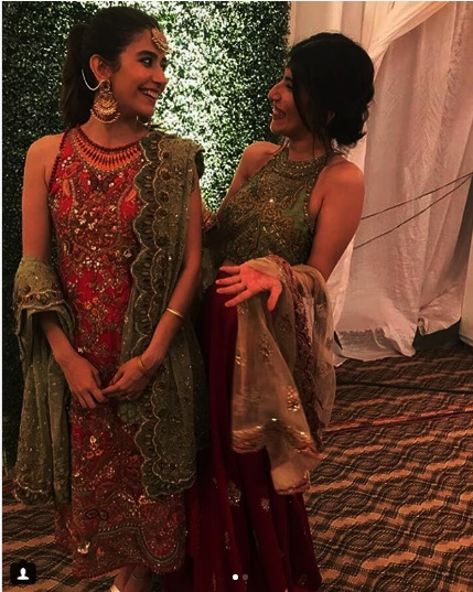 Syra Shahroze & her Sister Palwasha Yousaf at Friend Wedding (1)