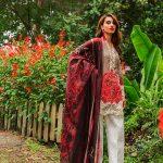 Summer Lawn Hits 2019 By Zainab Chottani (38)