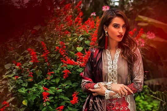 Summer Lawn Hits 2019 By Zainab Chottani (39)