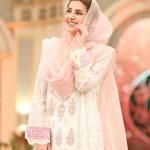 Beautiful clicks of Qubra Khan on Ramzan Pakistan transmission on Humtv (1)