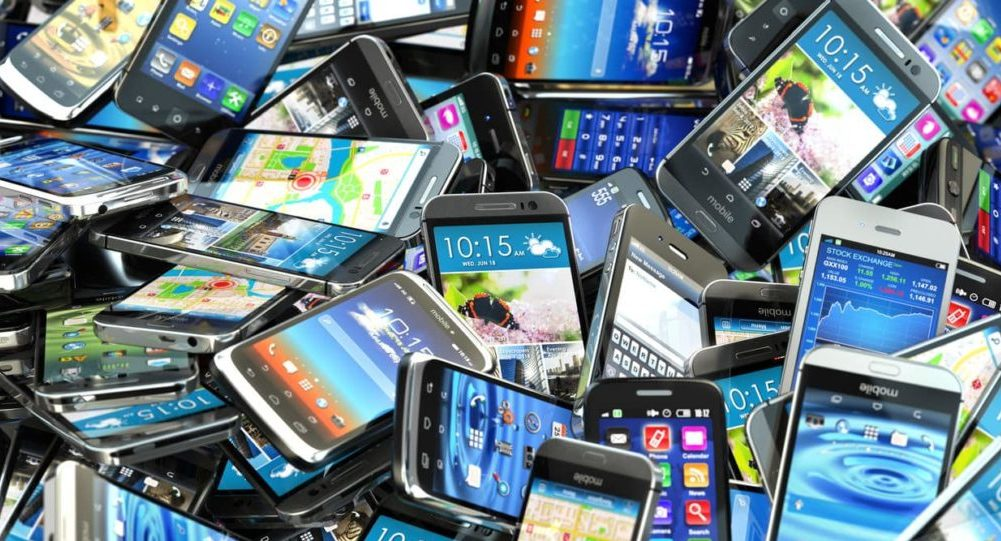 The police seized more than 3,000 phones in an attempt to smuggle frustrated