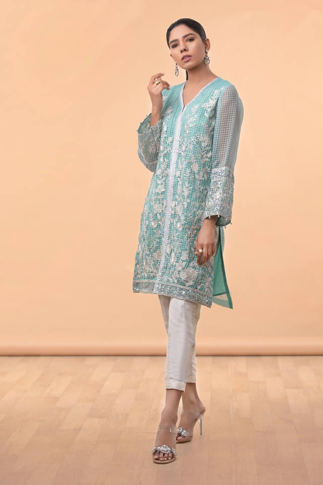 Womens Ready to wear Eid Collection 2019 By Sapphire (13)