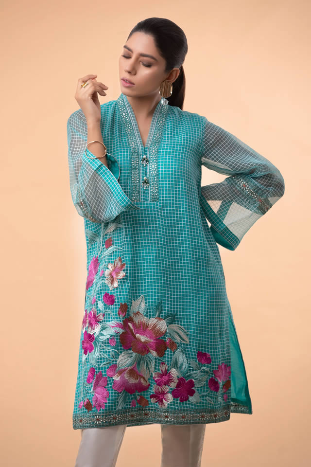 Womens Ready to wear Eid Collection 2019 By Sapphire (4)