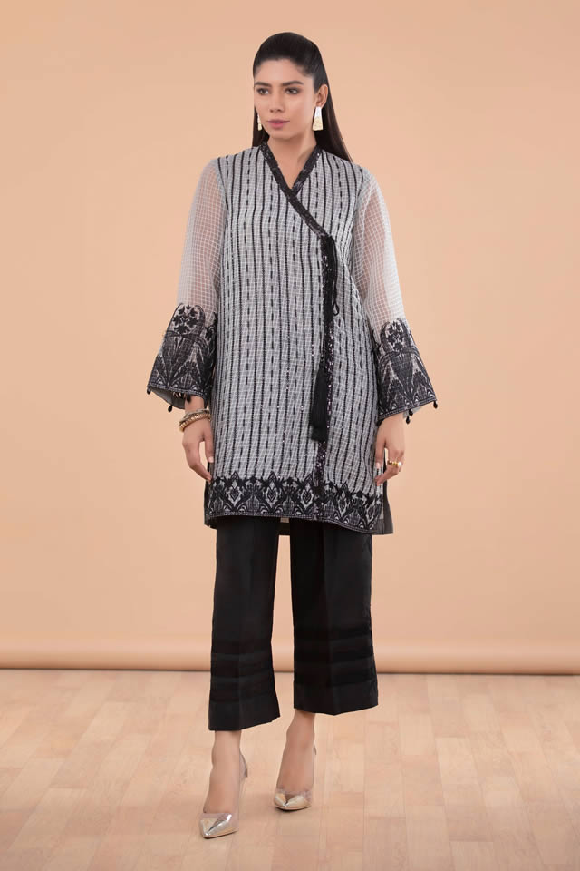 Womens Ready to wear Eid Collection 2019 By Sapphire (6)