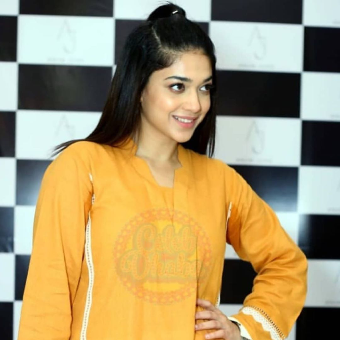 Celebrities in Sanam Jung Sister Anum Jung Launch of the new store (10)