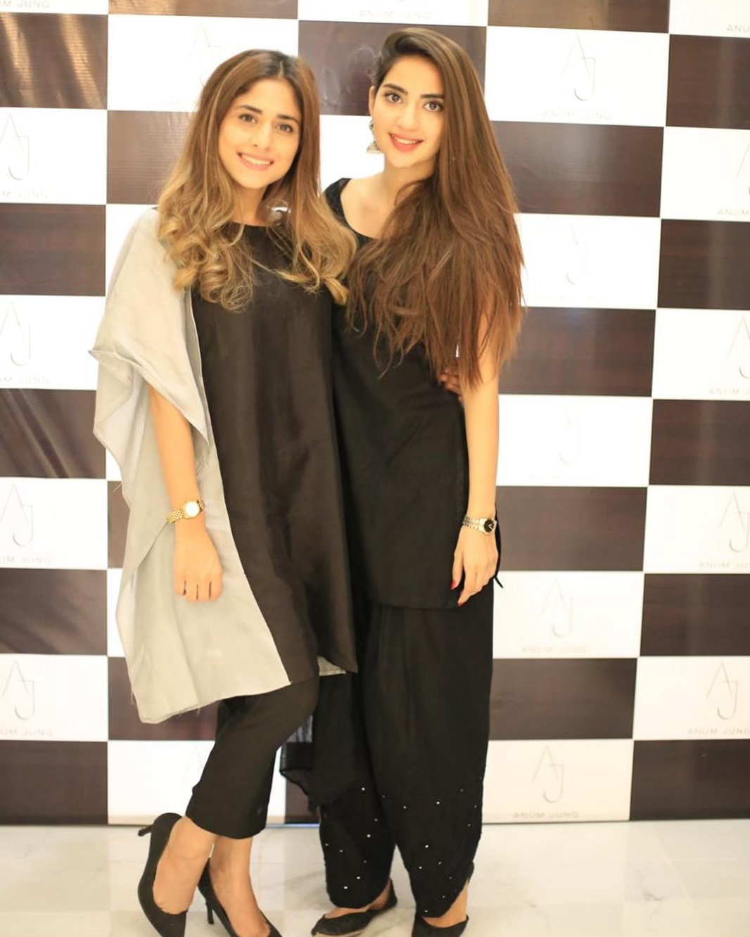 Celebrities in Sanam Jung Sister Anum Jung Launch of the new store (22)