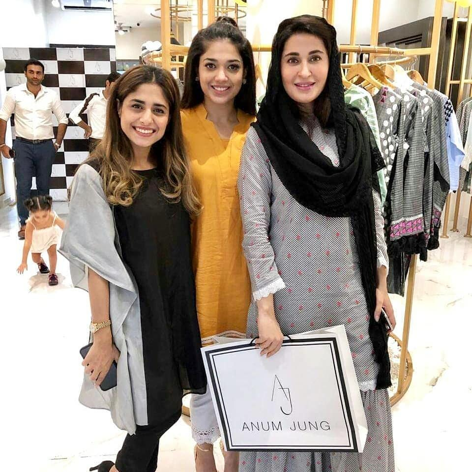 Celebrities in Sanam Jung Sister Anum Jung Launch of the new store (27)