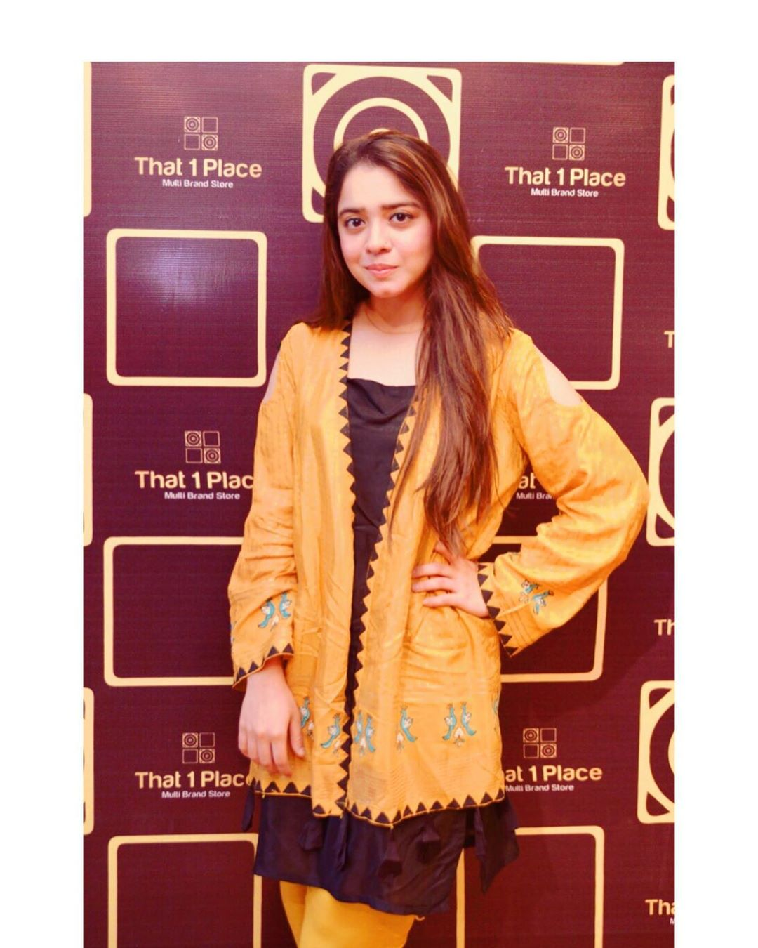 Celebrities in Sanam Jung Sister Anum Jung Launch of the new store (28)