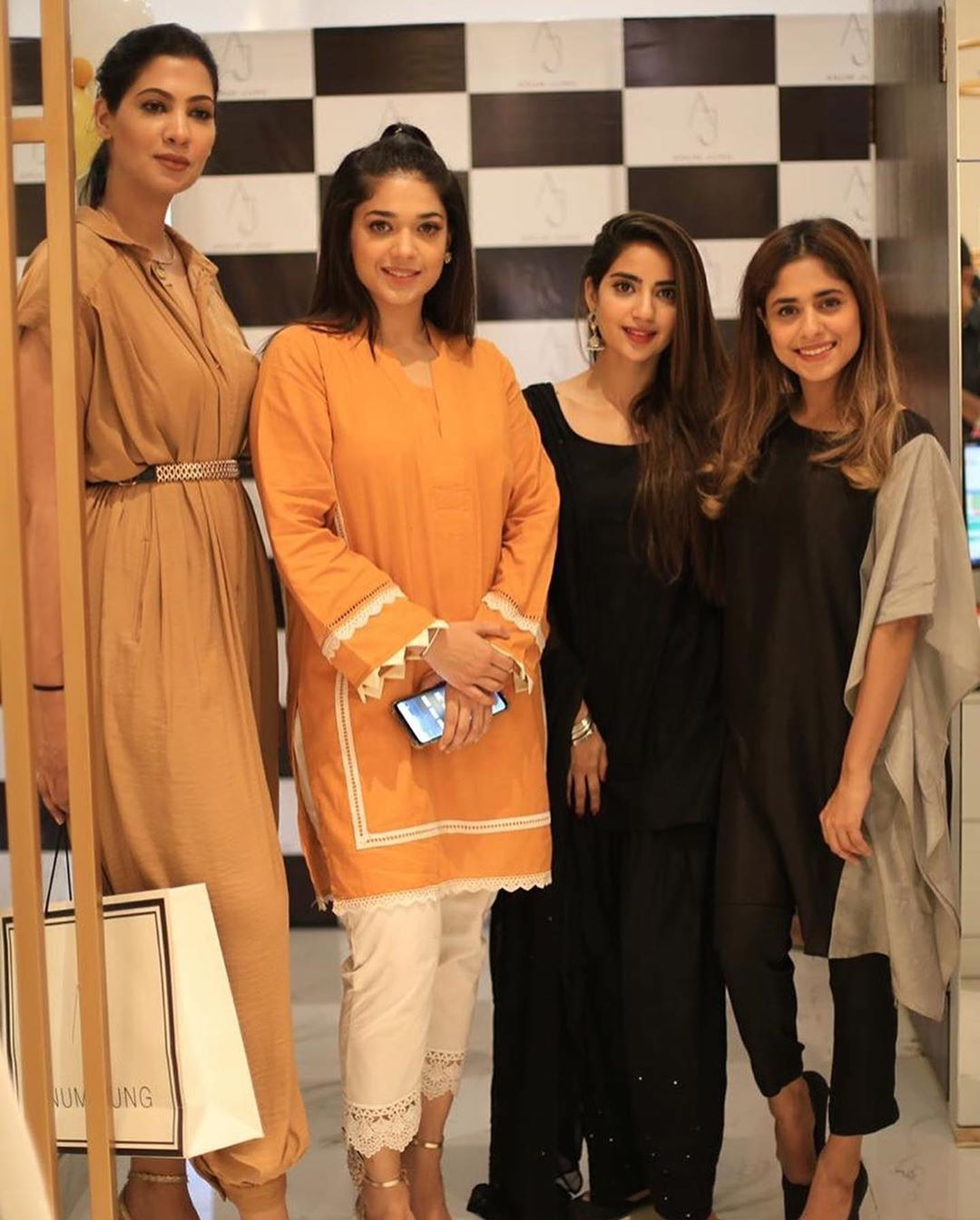 Celebrities in Sanam Jung Sister Anum Jung Launch of the new store (3)