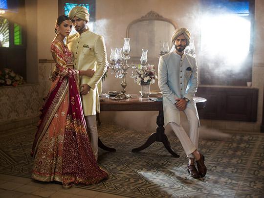 Deepak Perwani sprayed gold dust 4