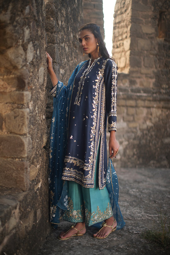 "6 Dresses From Nida Azwer's ""Rohtasgarh"" Collection 2019 (4)"