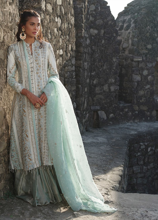 "6 Dresses From Nida Azwer's ""Rohtasgarh"" Collection 2019 (5)"