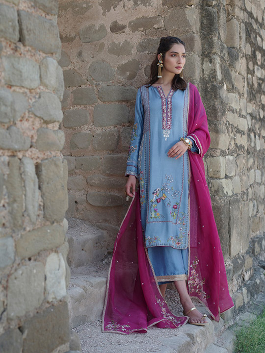 "6 Dresses From Nida Azwer's ""Rohtasgarh"" Collection 2019 (6)"