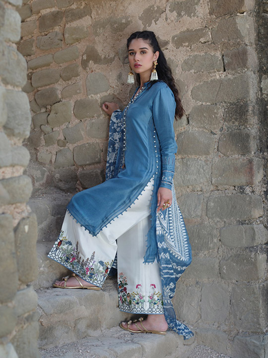 "6 Dresses From Nida Azwer's ""Rohtasgarh"" Collection 2019 (9)"