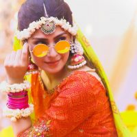 Actress Ayeza Khan New Clicks from Serial Yaariyan in Unique Style (1)