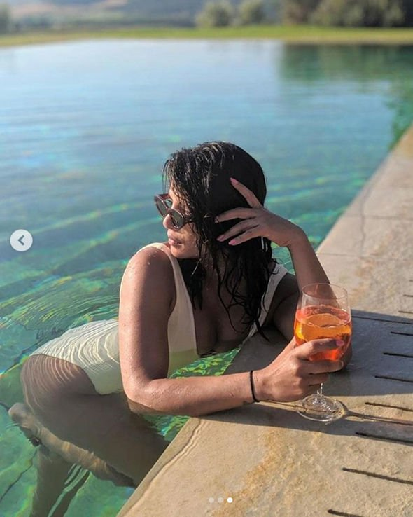 Priyanka Chopra shares swimsuit photos taken by husband Nick Jonas (3)
