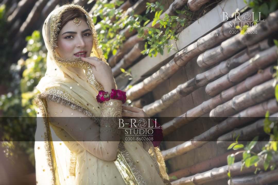 Hamza Ali Abbasi and Naimal Khawar Nikah HD Pictures Video (24)
