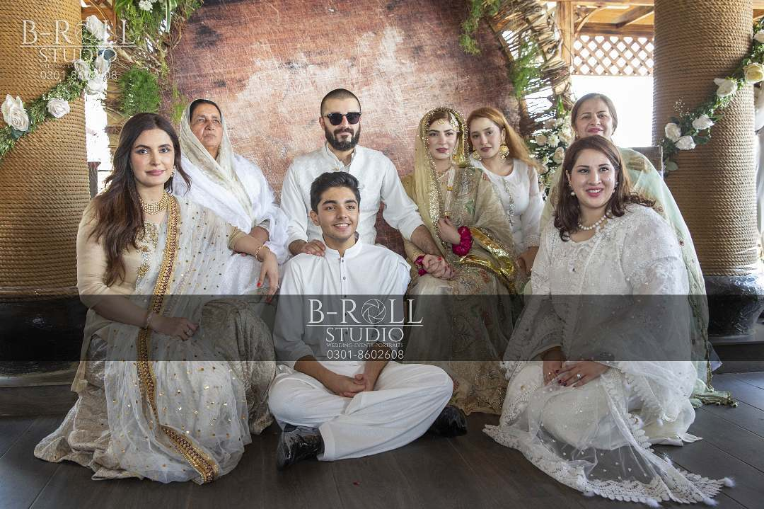 Hamza Ali Abbasi and Naimal Khawar Nikah HD Pictures Video (28)