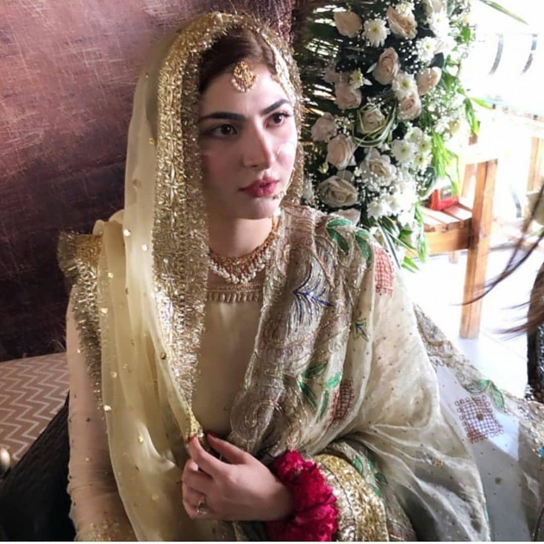 Hamza Ali Abbasi and Naimal Khawar Nikah HD Pictures Video (5)