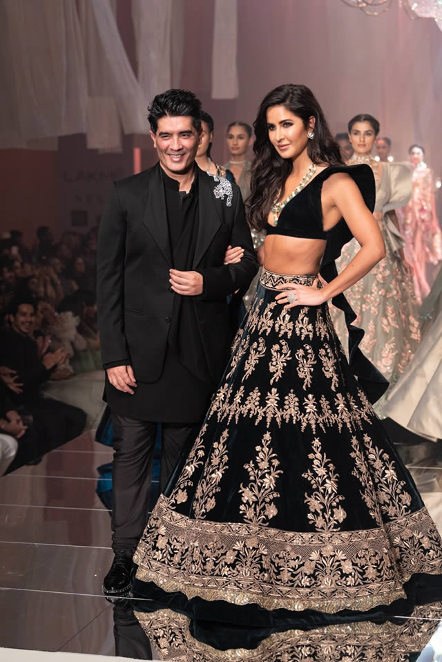Katrina Kaif Walks at LFW 2019 Ramp for Manish Malhotra (21)