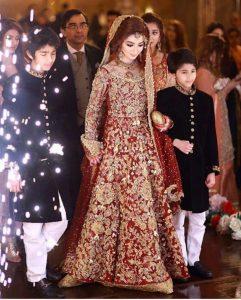 Pakistani Bridals Mehndi Dresses Ideas 2019 (14)