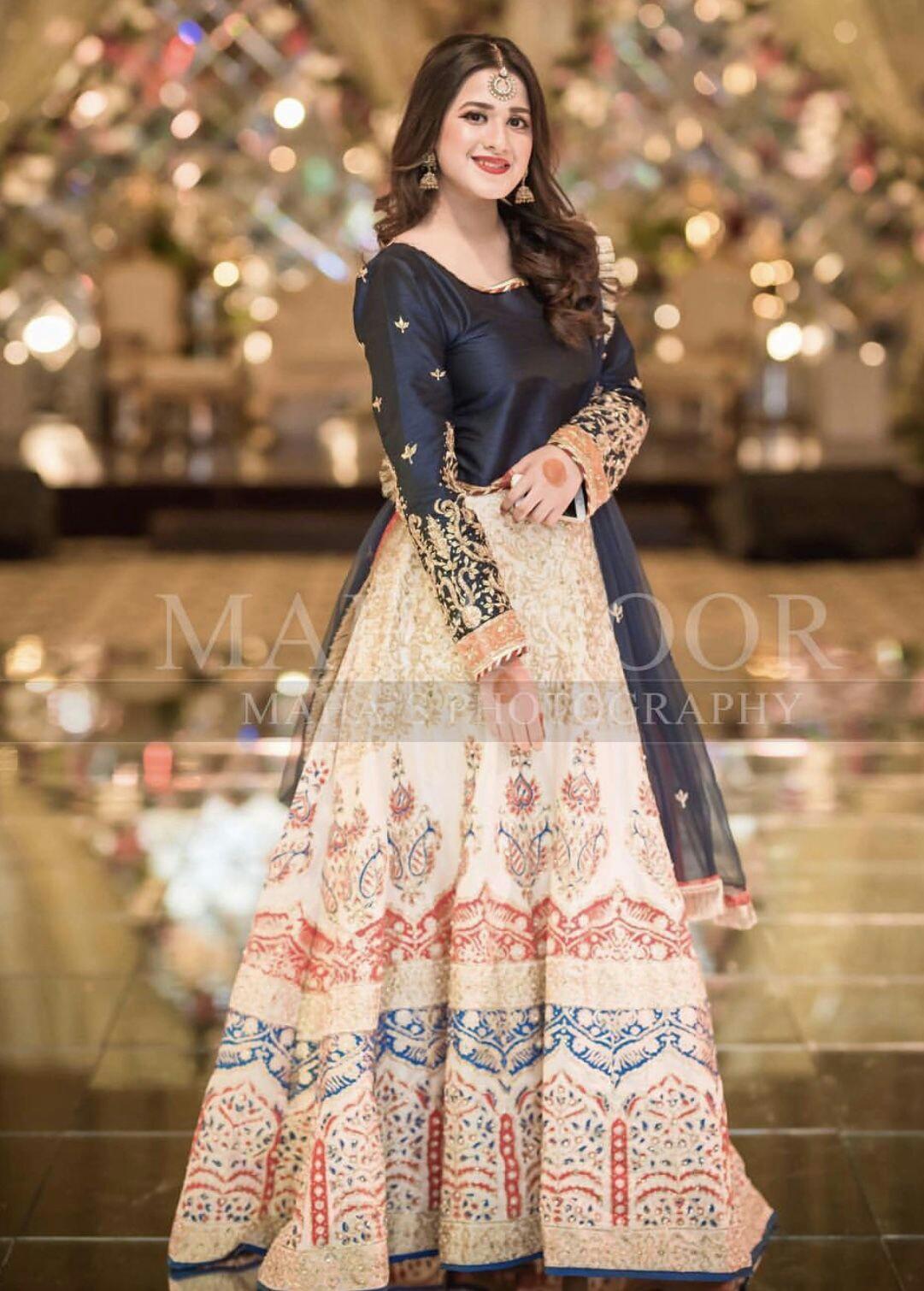 Pakistani Bridals Mehndi Dresses Ideas 2019 (15)