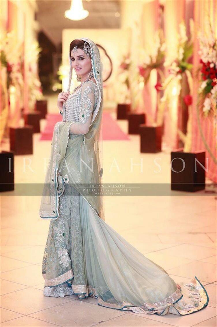 Pakistani Bridals Mehndi Dresses Ideas 2019 (17)