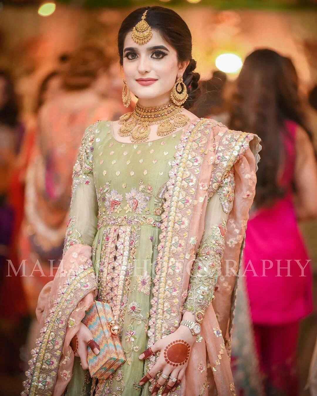 Pakistani Bridals Mehndi Dresses Ideas 2019 (7)
