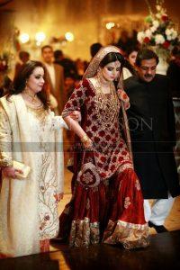 Pakistani Bridals Mehndi Dresses Ideas 2019 (9)