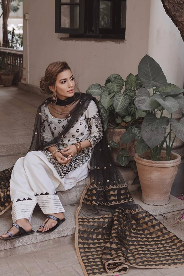 """Saira Rizwan """"Ik Serra"""" 2019 Collection (5)"""
