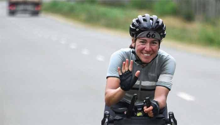 The 4,000km cycle race, German woman made money (2)