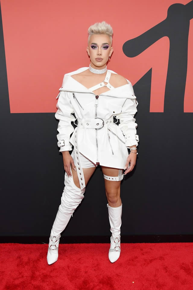 VMA red carpet fashion at the MTV Video Music Awards 2019 (10)