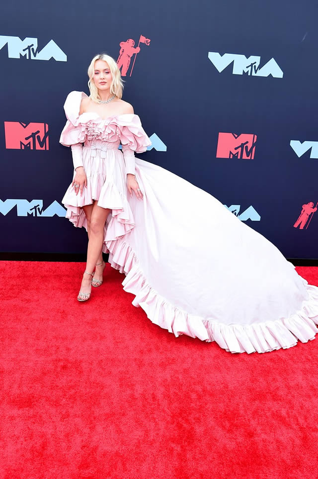 VMA red carpet fashion at the MTV Video Music Awards 2019 (2)