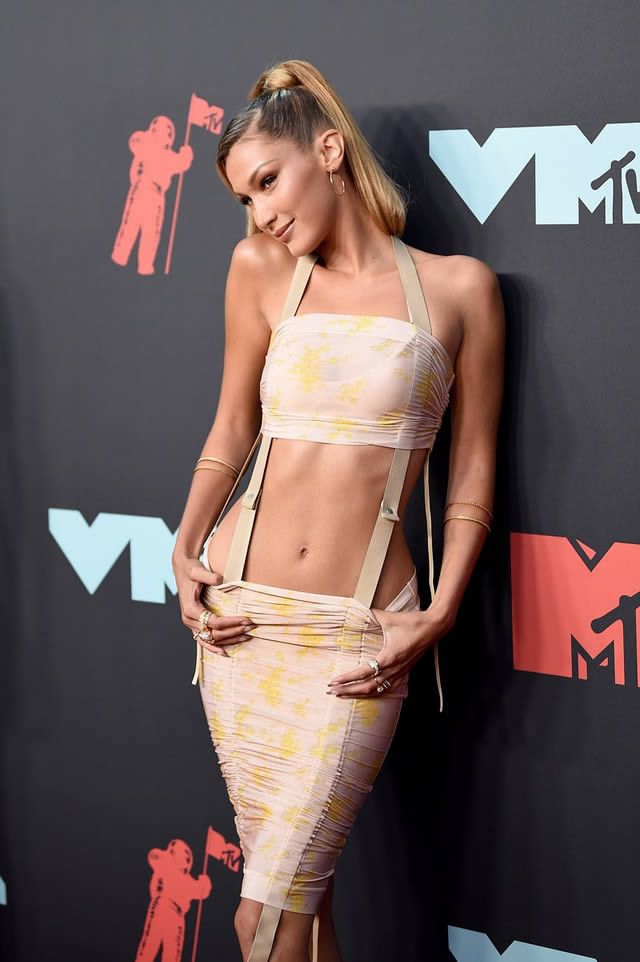 VMA red carpet fashion at the MTV Video Music Awards 2019 (4)