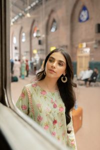 Six Unstitched And Pret Dresses 2019 By Zeen (7)