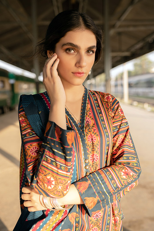 Six Unstitched And Pret Dresses 2019 By Zeen (9)