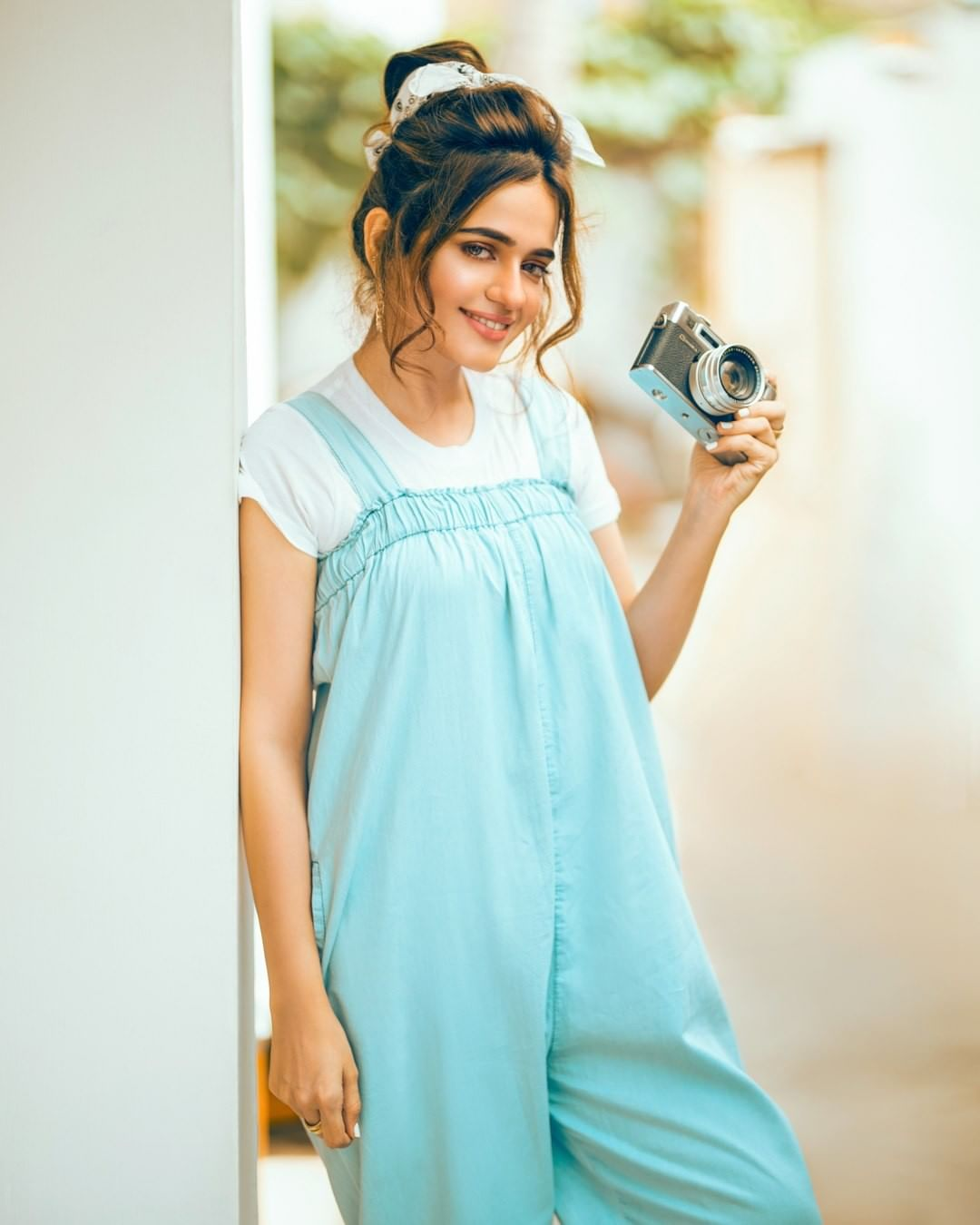 Actress Sumbul Iqbal trendy looks for Latest Photoshoot (12)