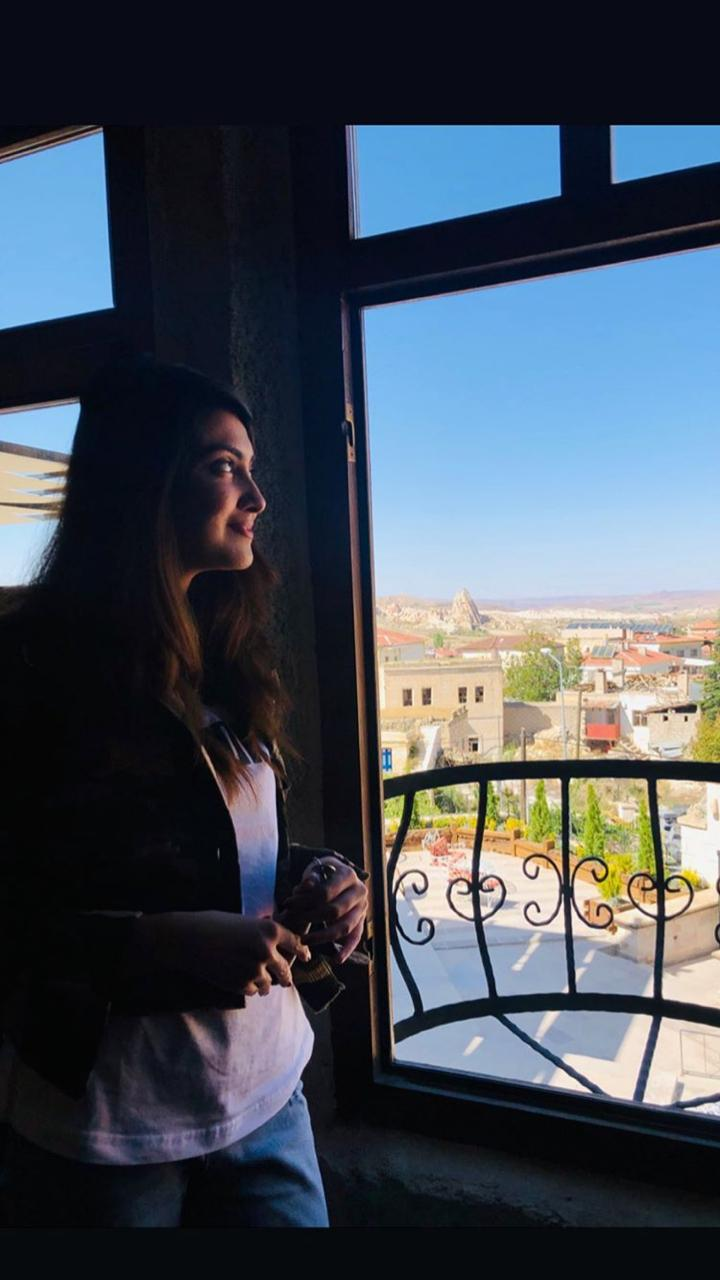 Alizeh Tahir Pakistani Actress Pictures from Cappadocia Turkey (10)