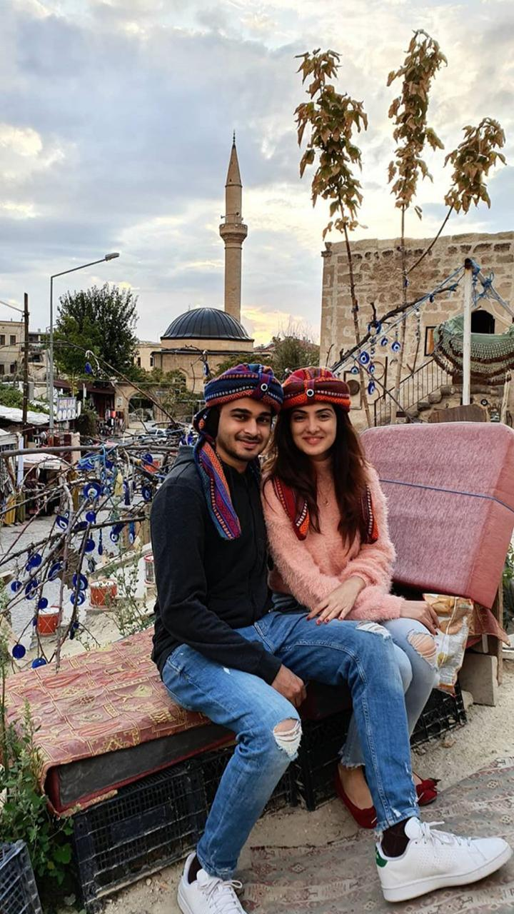 Alizeh Tahir Pakistani Actress Pictures from Cappadocia Turkey (14)