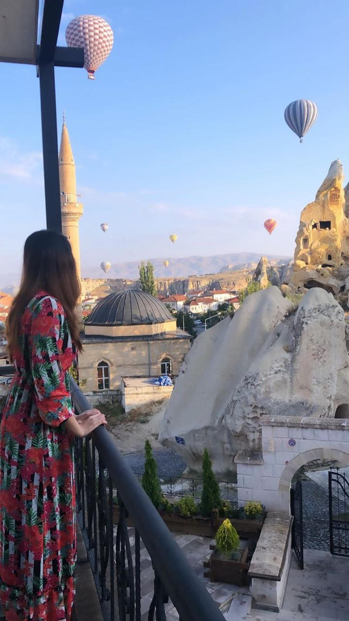 Alizeh Tahir Pakistani Actress Pictures from Cappadocia Turkey (5)