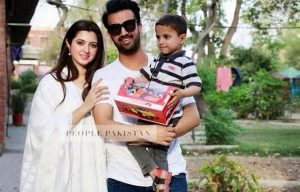 Atif Aslam Latest Images with his Wife Sara Bharwana (2)