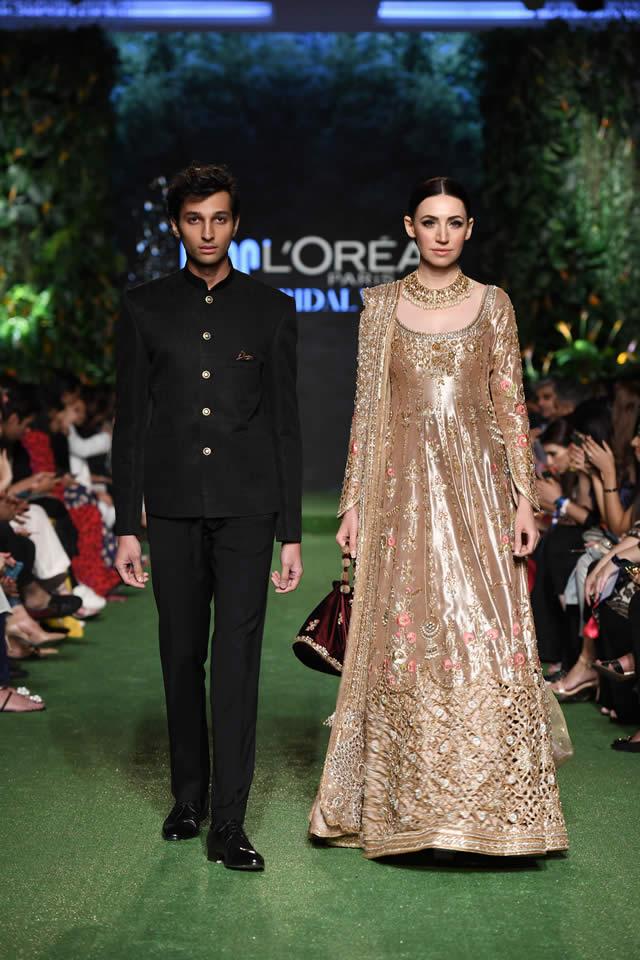 DILARA Bridal Dress Collection at PLBW 2019 By Sania Maskatiya (13)