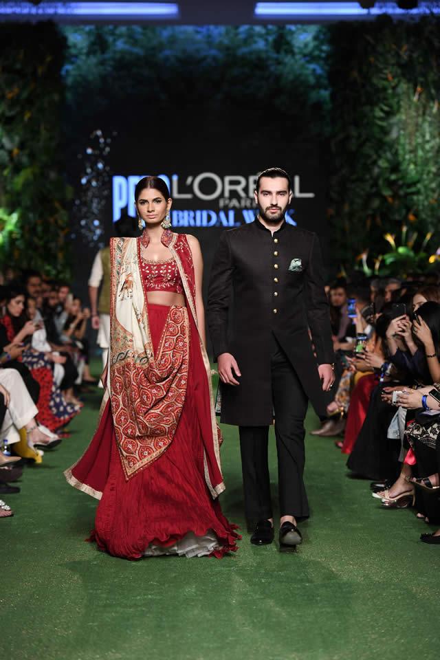 DILARA Bridal Dress Collection at PLBW 2019 By Sania Maskatiya (15)