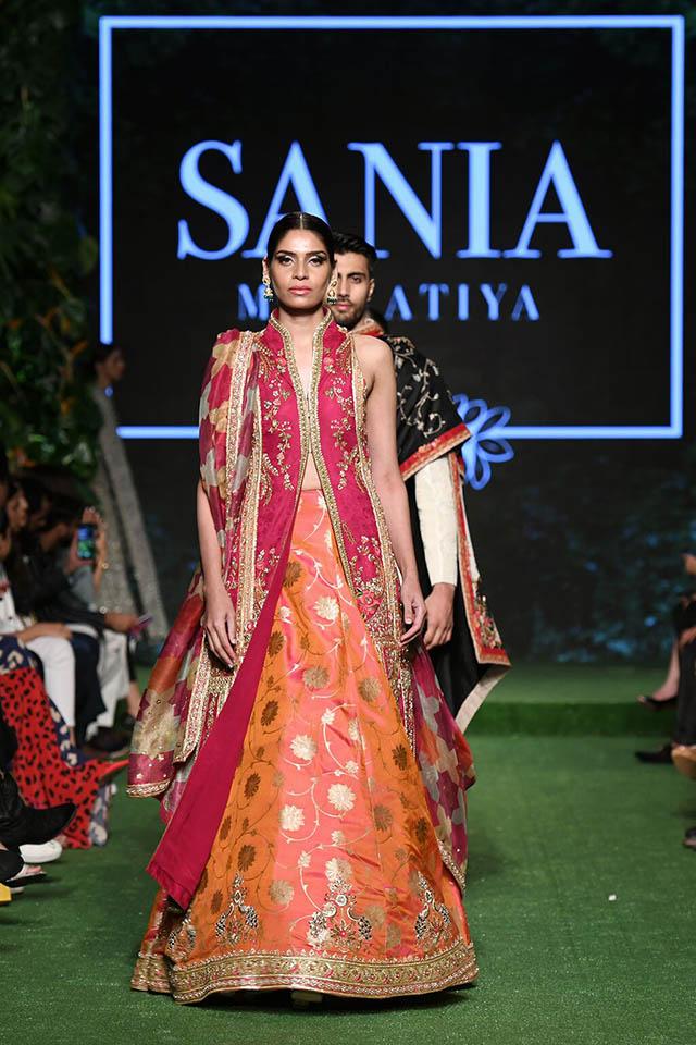 DILARA Bridal Dress Collection at PLBW 2019 By Sania Maskatiya (19)