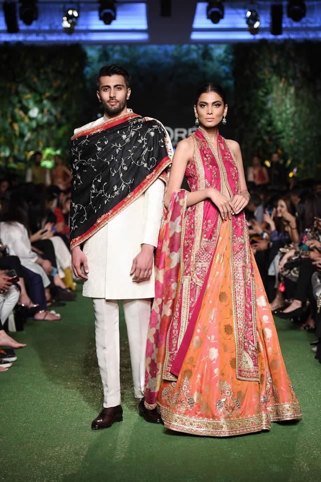 DILARA Bridal Dress Collection at PLBW 2019 By Sania Maskatiya (4)